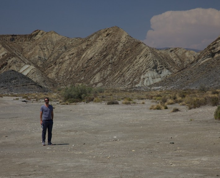 Spanien 2013 Stefan in der Wüste bei Tabernas