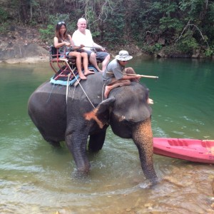 Flussdurchquerung Thailand 2013